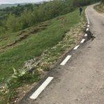 NEGOMIR: Drum abia reabilitat, afectat de alunecări de teren
