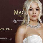 Bijuteriile cântăreţei Rita Ora, în valoare de 3,5 milioane de dolari, uitate în avion