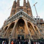 După 137 de ani, catedrala Sagrada Familia a obţinut permisul de construcţie