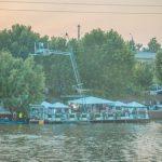 Dan Bittman dă sporturile nautice pe borșul pescăresc! Complexul său devine cel mai mare loc de picnic și de gătit în aer liber de lângă București