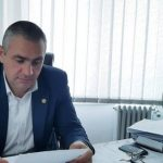 Viceprimarul Morega a cumpărat SUTE de perechi de mănuși pentru comercianții din Motru