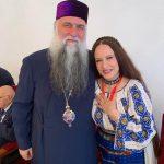 Maria Dragomiroiu a fost decorată de biserică! A primit Crucea Râmnicului