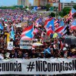 Sute de mii de persoane au protestat în Puerto Rico, cerând demisia guvernatorului teritoriului. Cântăreţul Ricky Martin, printre manifestanţi