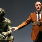 Kevin Spacey, apariţie rară într-un muzeu din Roma, unde a recitat un poem