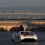 ''Taxiurile zburătoare'', testate pe apele Senei, la Paris