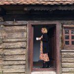 Aici a investit Andreea Esca salariul de la Pro Tv. Cât te costă să te cazezi în paradisul turistic de lângă Sibiu