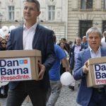 12:41 Barna: România are nevoie de un preşedinte full-time. REPLICA lui Iohannis