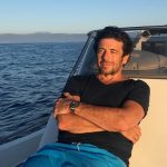 Cântăreţul francez Patrick Bruel, anchetat pentru hărţuire sexuală şi exhibiţionism