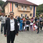 """PROTEST la Padeș al copiilor de grădiniță! """"Vrem școală la Cloșani!"""""""