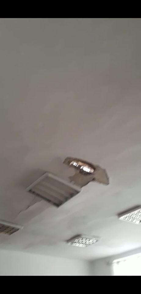 13:15  SOCANT! Tavanul unei școli din Câlnic s-a PRĂBUȘIT în timpul cursurilor