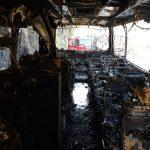 13:15 Autocar în flăcări pe Defileul Jiului