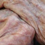 11:40 Bătrână de 79 de ani, agresată de fiu