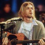 Puloverul purtat de Kurt Cobain în concertul unplugged al trupei Nirvana, vândut pentru mai mult de 330.000 de dolari