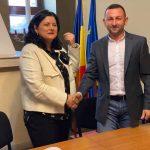 20:37 Filip: Am semnat contractul pentru transportul public pe ruta Rovinari –  Târgu-Jiu