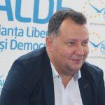 19:30 Fostul ministru Toma Petcu îl susține pe Klaus Iohannis