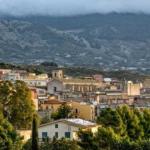 """Oraşul din Italia care vinde case pe """"un espresso"""". Condiţia pe care o pun autorităţile"""