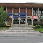 Romanescu: Casa de cultură și bazinul acoperit, ÎN LINIE DREAPTĂ
