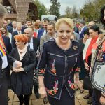 15:38 Dăncilă, întâlnire cu membrii PSD la Casa Danielescu