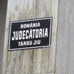 13:21 Fals ofiţer de informaţii, condamnat de Judecătoria Târgu-Jiu. A escrocat o primăriţă din Mehedinţi
