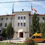 08:15 Autobuze electrice până la Mănăstirea Lainici