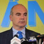 18:27 Rareș Bogdan INFIRMĂ zvonurile că PNL ar strânge voturi pentru Dăncilă