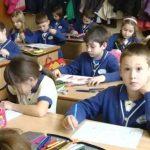 08:11 Elevii şi preşcolarii intră în vacanţa de iarnă