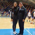 12:39 Canotoarea Denisa Tîlvescu, aplaudată de spectatorii prezenţi la Sala Sporturilor