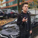 Vloggerul Selly a făcut accident, la doar o lună de când și-a luat permisul! Și-a făcut praf bolidul de 70.000 de euro