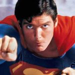 Suma uriaşă pentru care a fost vândută pelerina lui Superman