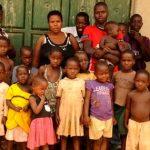 Unei femei i s-a interzis să mai nască după ce a făcut 44 de copii până la vârsta de 36 de ani