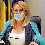 """Gabriela Firea """"a virusat"""" internetul cu ironii după ce a purtat o mască la şedinţa PMB. Cele mai bune glume"""