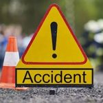17:56 Scoarța: Au abandonat maşina după ce s-au răsturnat într-un șanț