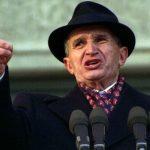 Nicolae Ceaușescu are blog și cont de socializare. Postează nostalgicii Epocii de Aur