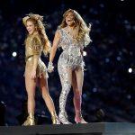 Vânzările albumelor Shakira şi Jennifer Lopez, creştere de 893% după show-ul de la Super Bowl