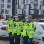 18:21 Imnul României răsună pe maşinile Poliţiei şi Jandarmeriei