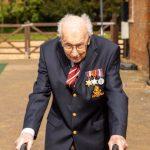 Marea Britanie: Un veteran de 99 de ani a colectat 18 milioane de lire pentru personalul sanitar