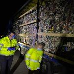 15:20 ȘOC! Tiruri cu deșeuri din Anglia, descoperite la Strehaia