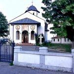 09:14 Corturi în fața bisericilor pentru împărțirea PAȘTILOR