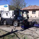 Mașinile de măturat intră pe străzile din Târgu-Jiu. Romanescu: Graficul este pentru o lună