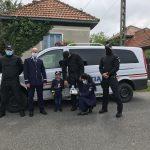 Ce surpriză i-au făcut MASCAȚII unui băiețel de 5 ani din Curtișoara