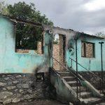 Exemplu de omenie la Polovragi! Localnicii ajută o femeie să-și refacă locuința distrusă de incendiu