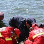 18:03 A murit după ce s-a aruncat în Jiu, în zona Pieţei Centrale