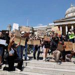 22:04 Manifestaţii la Londra, Berlin şi Copenhaga în semn de protest faţă de moartea lui George Floyd. VIDEO