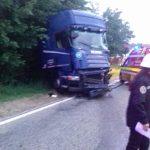 09:14 Șofer de tir RĂNIT după ce a încercat să evite o căprioară