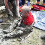 Un pompier din Novaci, EROUL ZILEI. A salvat un bărbat înțepenit în mâlul din fântână