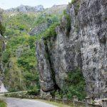 12:43 Drumul de pe Cheile Sohodolului rămâne ÎNCHIS, pe porțiunea afectată de viitură