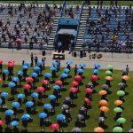19:39 Ceremonie pentru absolvenți pe stadionul din Turceni