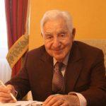 Un primar din Franța candidează, din nou, la 94 de ani