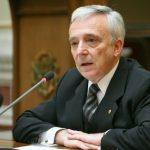 """08:19 CNSAS a cerut în instanţă """"constatarea calităţii de colaborator al Securităţii"""" a lui Mugur Isărescu"""