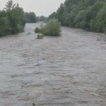 08:24 Cod roşu de inundaţii în judeţele Gorj, Vâlcea şi Mehedinţi
